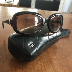 Chanel sunglasses brown with bow